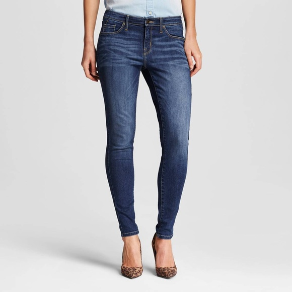 eaded8584be Mossimo Women s Jeans Curvy Skinny - Dark Wash. M 5a55928050687c1fb2080bcc